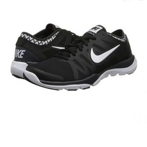 NIKE Women's Flex Supreme Tr Running Shoe